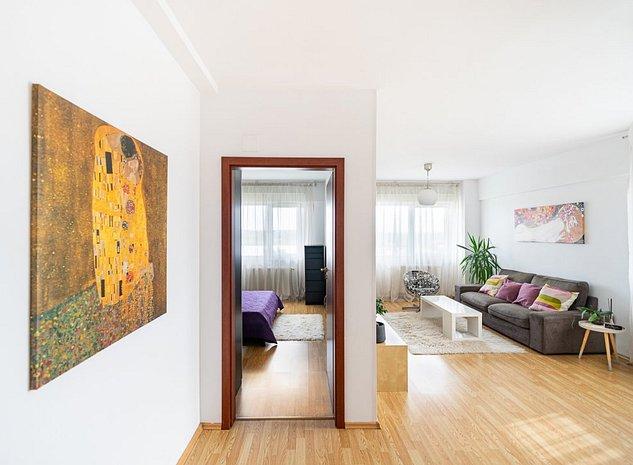 Apartament 2 cam superb, luminos, priveliste panoramica, loc parcare subteran - imaginea 1