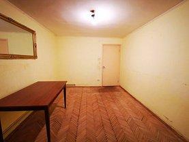 Apartament de vânzare 3 camere în Sinaia, Malul Spitalului