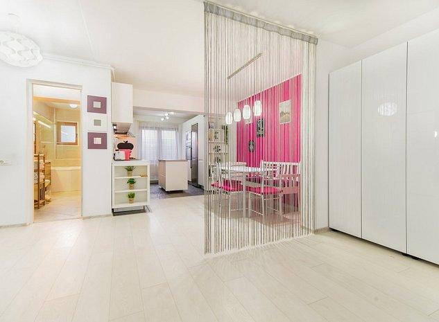 Direct proprietar! Apartament lux in centrul Braşovului cu parcare subterană - imaginea 1