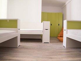 Apartament de închiriat 4 camere, în Braşov, zona Central