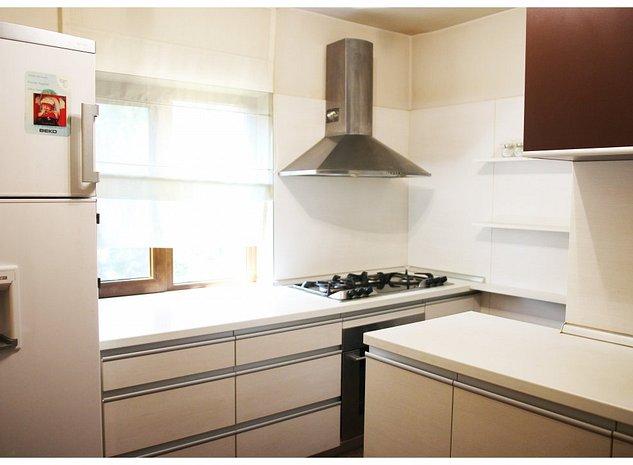 Apartament 3 camere renovat lux - PALTINIS Ploiesti - imaginea 1