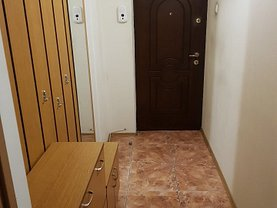Apartament de vânzare 4 camere, în Târgovişte, zona Central