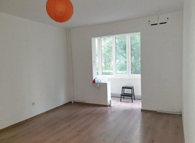 Apartament doua camere Grivitei zona Onix oferit de PROPRIETAR - imaginea 1