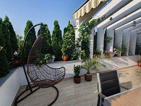 Apartament de vânzare 3 camere, în Ploieşti, zona Mihai Bravu