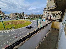 Apartament de vânzare 3 camere, în Timişoara, zona Medicină