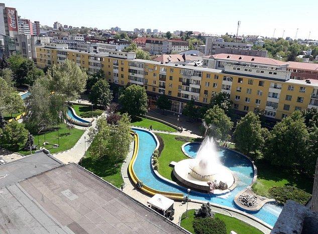 Apartament 3 camere decom 2 balcoane, parchet, ultracentral - imaginea 1