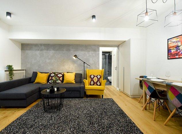 Apartament complet renovat in Centrul Vechi - imaginea 1