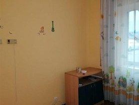 Apartament de vânzare 2 camere, în Găeşti, zona Central