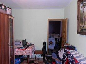 Apartament de vânzare 2 camere, în Huşi, zona Nord-Vest