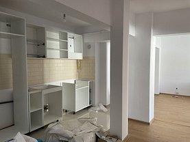 Apartament de închiriat 3 camere, în Iaşi, zona Bd. Independenţei