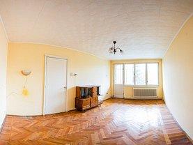 Apartament de vânzare 3 camere, în Reghin, zona Central