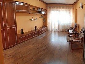 Apartament de vânzare 3 camere, în Galaţi, zona Micro 19