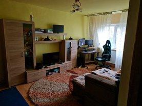 Apartament de vânzare 4 camere, în Buzău, zona Broşteni
